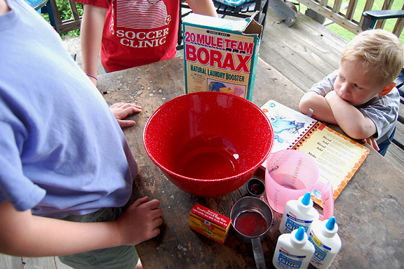 Make Goop with your kids using glue and Borax! Fun craft project!