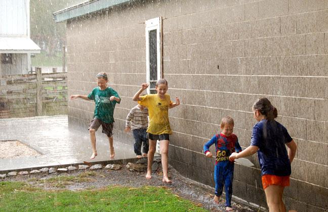 http://www.farmgirlfollies.com/wp-content/uploads/2011/09/rain4.jpg