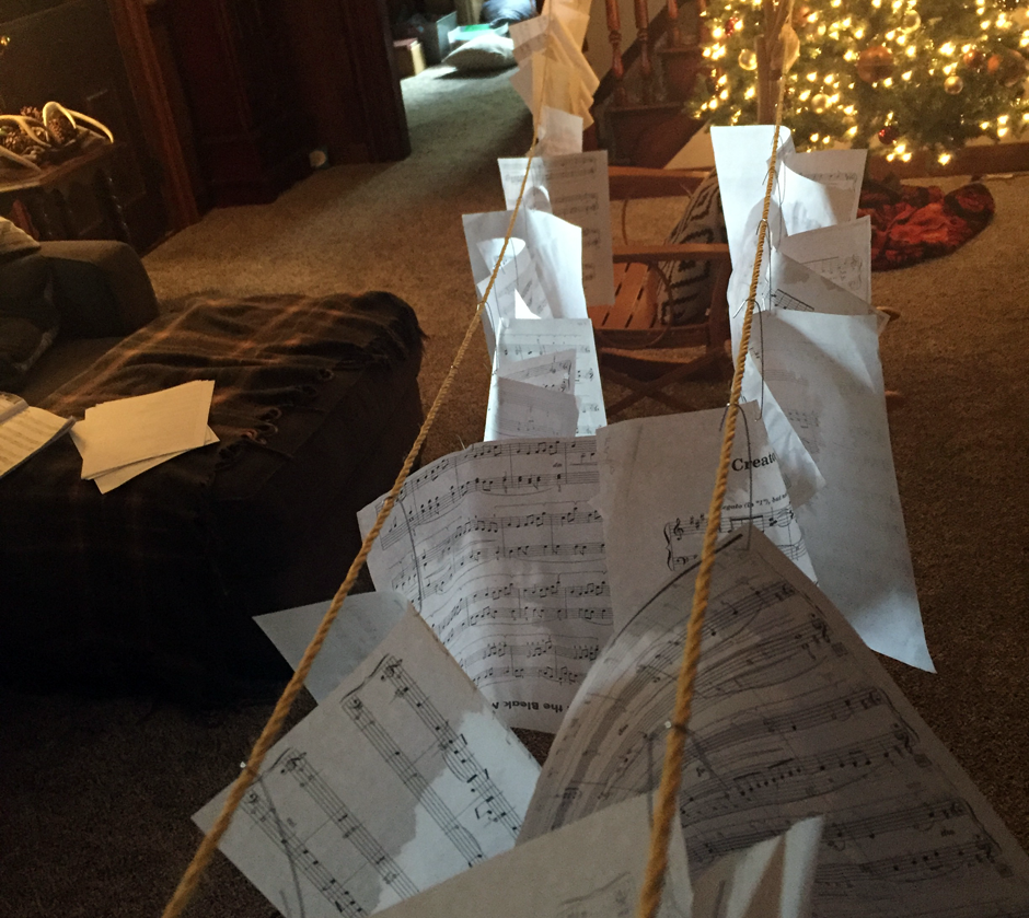 Deck the halls with sheet music!