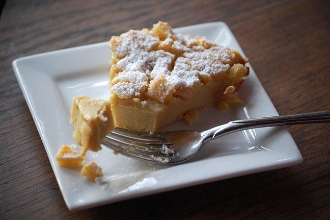 Puffy Apple Oven Pancake Pie