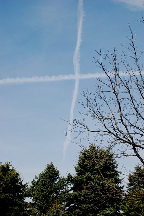 Contrail cross on Good Friday
