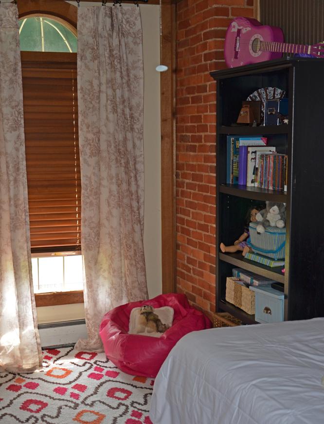 Tween girl's room.