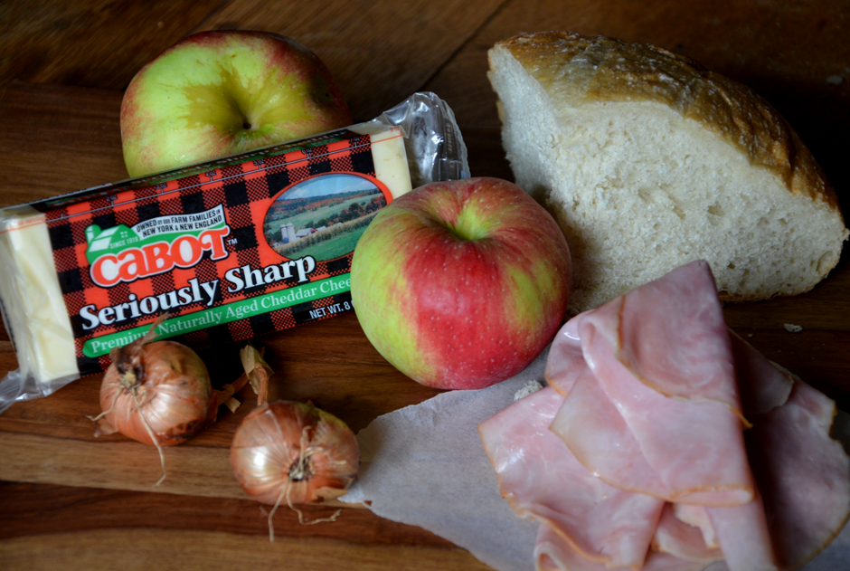 Harvest Apple Cheddar Sandwich ingredients