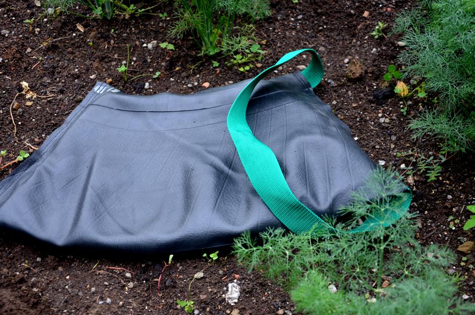Original Flat Tire Tube Pad for kneeling in your garden.