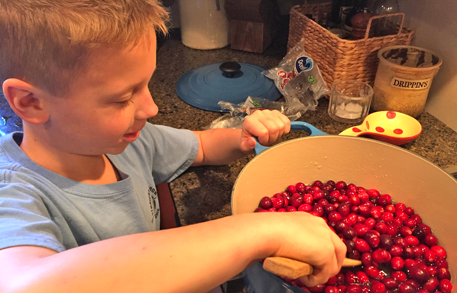 Cranberry relish with essential oils